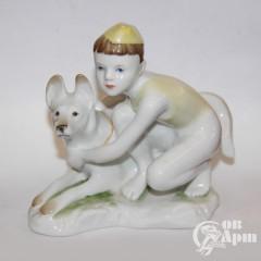 """Скульптура """"Пограничник с собакой"""""""